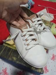 Sapato branco moleca