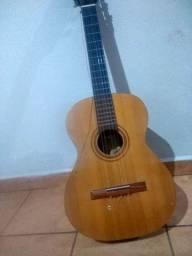 Vendo violão ?