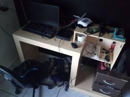 Mesa Estante Quarto