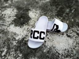 Chinelo slide branco borracha Rocco