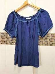 Blusa Azul Com Detalhes em Renda