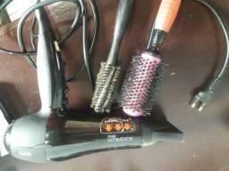 Secador gama muito bom com 2 escovas profissionais