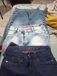 Calças Jeans por R$30, 3 por R$ 80.
