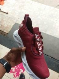 Tênis da Adidas pra vender hoje