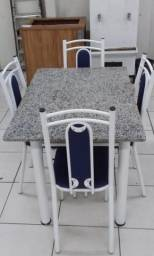 Mesa de mármore 4 cadeiras