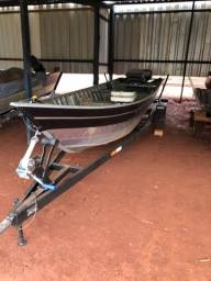 Barco Motor e Carreta