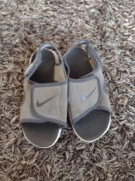 Título do anúncio: Sandália Nike 25/26