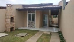 SI - Casa próx a Av Jorge Figueiredo, 2 quartos, 2 banheiros, varanda, sala, coz, garagem