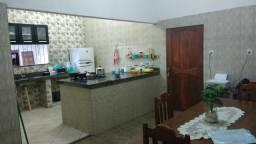 Vendo casa bem localizada em santana