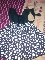 Vestidos e terno e sapato