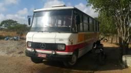 Micro ônibus mercedinha 608 (vendo e troco )