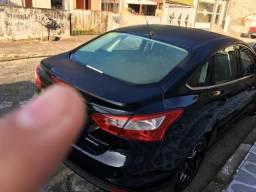 Carro top de linha. Focus titanium powershift - 2015
