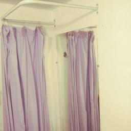 Provado de roupa com cortina e espelho 1,60 × 0,70