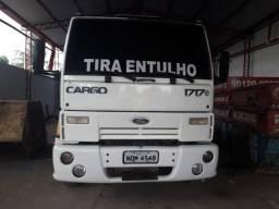 Vende-se Caminhão - 2009