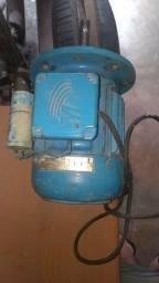 Motor eletrico 1CV