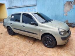 Clio Sedan 1.0 - 2004 - Completo