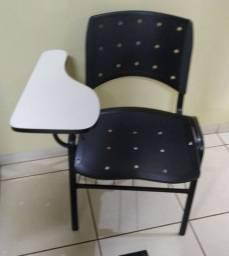 75 cadeiras universitárias/escolares