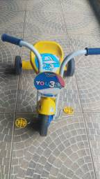 Triciclo novinho (tico tico) 80 reais