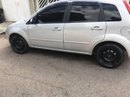 Fiesta hatch 08 completo