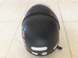 Vendo capacete Samarino na cor preto fosco