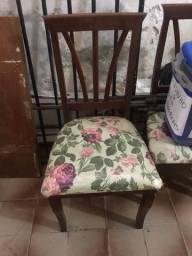 4 cadeiras em mateira