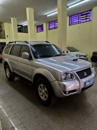 PAJERO HPE 2.4 AUTOMÁTICA 4×4 A DIESEL ANO 2008!