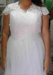 Vestido de noiva nunca usado.
