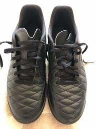 Chuteira futebol society Nike T40