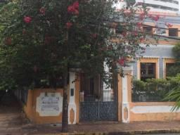 Alugo casa p/ comercio área privilegiada no Bairro das Graças