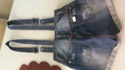 Macaquinho jeans. Usado só uma vez. Praticamente novo.