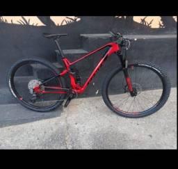 Bicicleta Carbon Invictus Pro M 2021/22 (Semi-nova com NF)