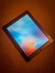 iPad 3ª geração 16gb muito conservado.