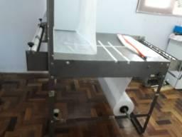 Máquina de fabricação de fraldas descartáveis