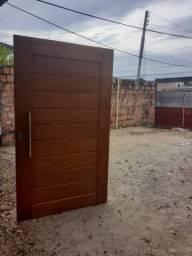 Portas de madeira maçiça