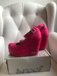 Sapato Goofy pink bem conservado