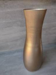 Título do anúncio: Vaso dourado e texturizado