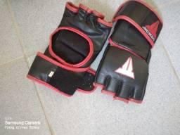 Título do anúncio: Saco de boxe, luva MMA e tornozeleira de 2 kg