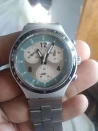 Relógio original só está suando . funciona perfeitamente