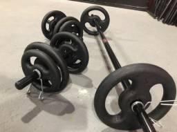 Kit Barras e Anilhas 30kg na Promoção 10x Sem Juros