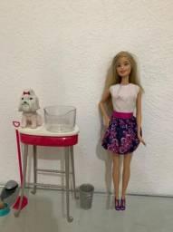 Barbie e cachorrinho que muda de cor