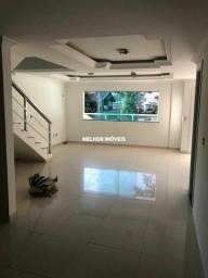 Casa Sobrado com 03 Dormitórios Localizado na Barra em Balneário Camboriú/SC