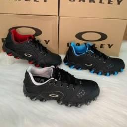 Tênis Oakley bravo (38 ao 43) entrega gratuita para toda João pessoa