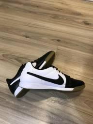 Tênis Futsal Nike Novo
