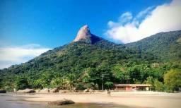 Passeios de barco pelas maravilhosas praia de parati mirim Mamanguá e regiões