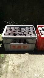 Caixa de cerveja com cascos retornáveis