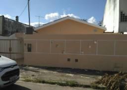 Casa em rua Transversal a São Domingos,Ideal Comércio e Moradia! Prox Getúlio e Presidente