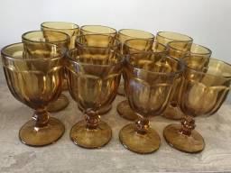 Conjunto de 12 copos de vidro
