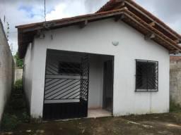 Cód. 093 Casa de 2/4 sendo 1 suíte em Castanhal