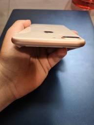 Iphone 8 plus, na caixa