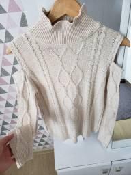 Blusa de frio com recorte em ombro - R$ 15,00